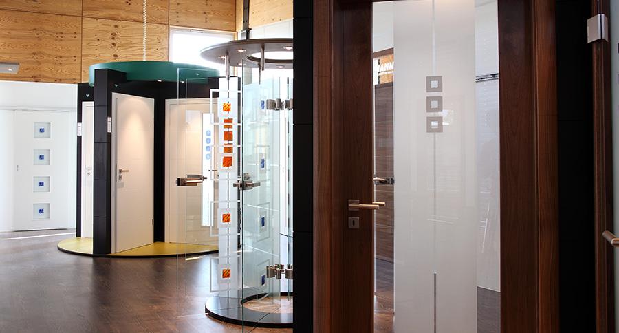 Türenausstellung  Die Ehmann-Holz-Zentrum Türenausstellung
